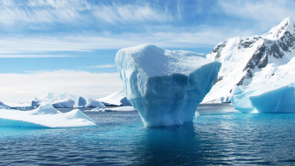 Pierrick Senelaer, through his art, highlights the alarming rate at which the ice cap is melting due to an increase greenhouse gases produced by human activity