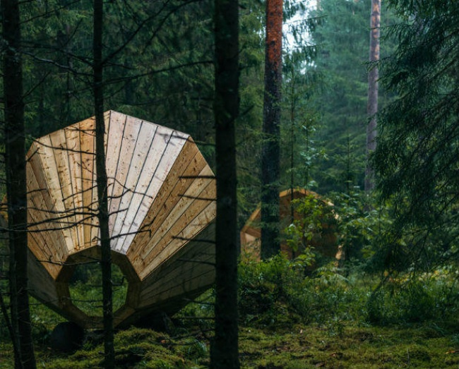 RUUP – AN ART INSTALLATION OF GIANT EARPHONES IN ESTONIA | Drawing United