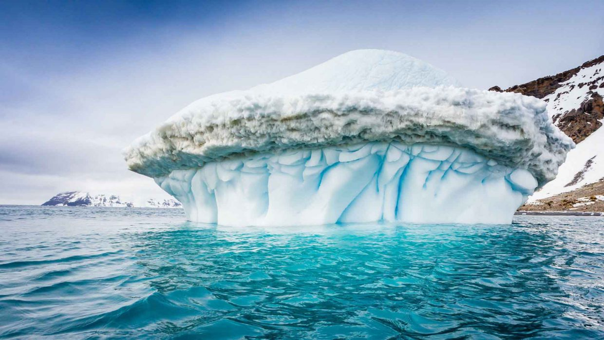 Pierrick through is art aims at highlighting the effects of Global Warming on the ice cap and especially in both poles - The Artic & Antartica