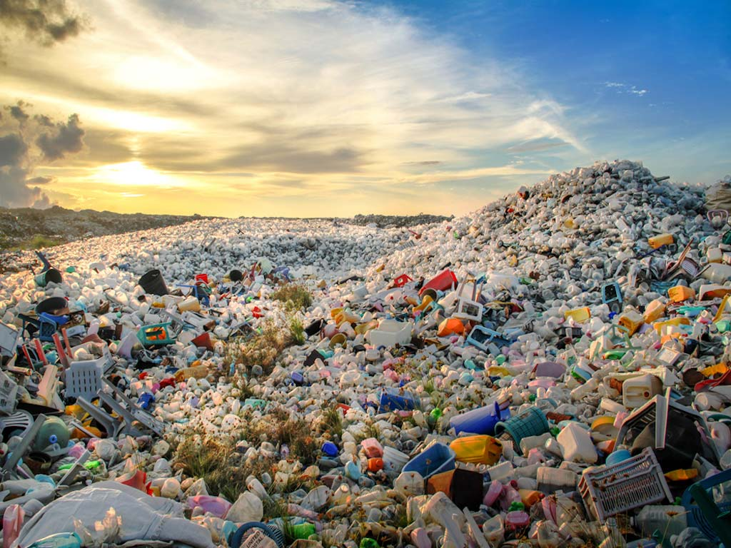 Alex Leadbeater is aiming at highlighting today's societies and how much plastic we consume.